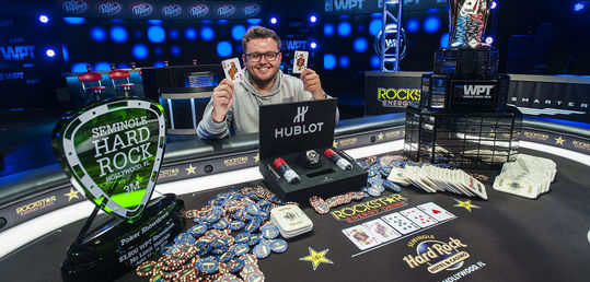 Scott Mergereson agranda su currículo online ganando el WPT Seminole Hard Rock Poker Showdown - 40842335694_4241abcaa1_h.jpg