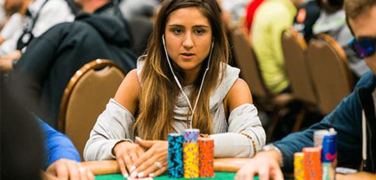 Ana Márquez termina su relación con 888Poker - Ana-Marquez.png