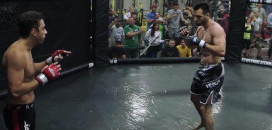 El combate entre Olivier Busquet y JC Alvarado, íntegro y en HD - Captura_de_pantalla_2016-04-29_a_las_7.38.29.jpg