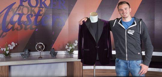 Steffen Sontheimer gana la chaqueta púrpura a lo grande: ganando el Evento Principal - DKOBoIzVoAE83P1.jpg