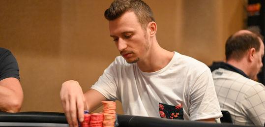 Simone Maggio es el actual chip leader del torneo