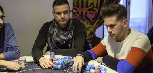 Fernando Pons se carga a Voro con poker de reyes