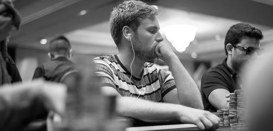 Llegamos al 3-handed con la eliminación de Daniel Lakerveld - 4º 33.000 €