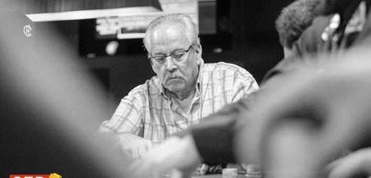 Abraham Serrano no supera la maldición del comentarista. 8º - 3.100€