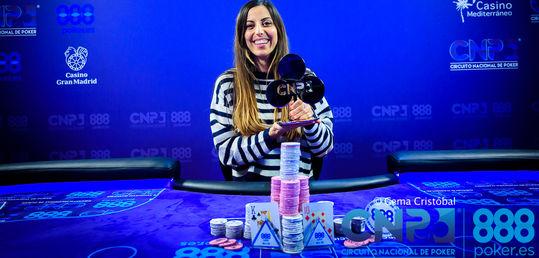 Lucía Navarro se proclama campeona del CNP 888 Alicante