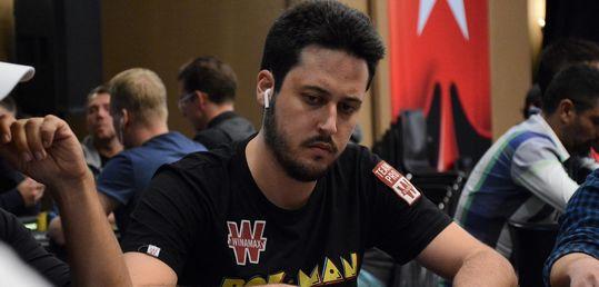 Adrián Mateos tira de 'pico y pala' para pincharse el Fat Tuesday  - adrian_mateos_(2).jpg