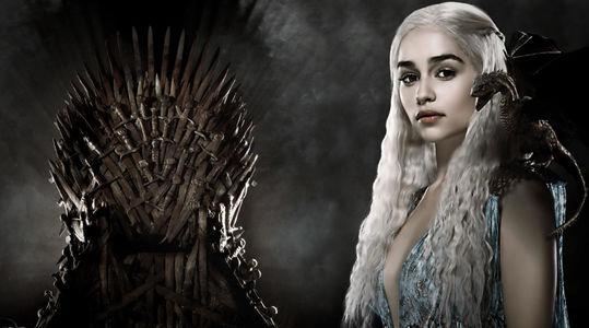 """""""Daenarys T"""" se convierte en millonario gracias al Sunday Million 12º Aniversario Take 2 - daenerys-cambia-el-trono-de-hierro-por-el-de-porcelana.jpg"""