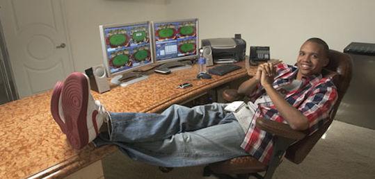 Phil Ivey: de 2013 hasta hoy, 7 millones perdidos en las mesas online - iveyhomeoffice.jpg