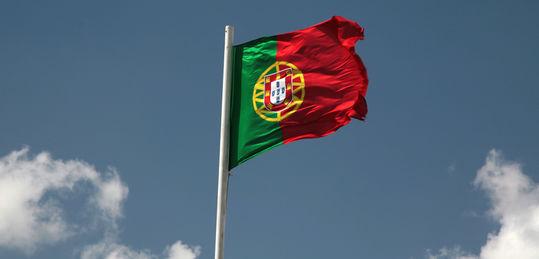 La regulación de Portugal avanza a trompicones - portugal-flag.jpg