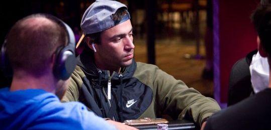 Miguel Seoane lidera a los 16 supervivientes del Main Event y tiene a tiro 463.560 $ - seoane_4_1.jpeg