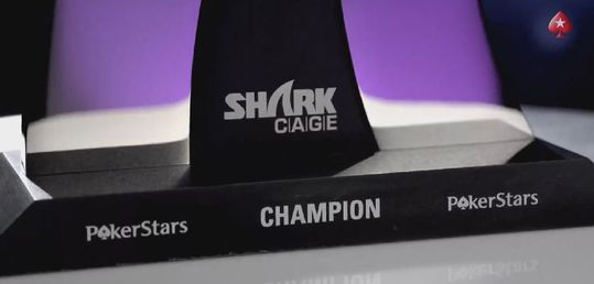 Shark Cage, episodio 2 - sharkcagetrofeo.JPG