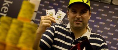 Gesto imperturbable de campeón. Foreros de Poker-Red: 2 de 2...