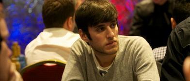 """CesarSPA"" tiene pocas fichas, pero aún está ahí/ PokerStarsblog."